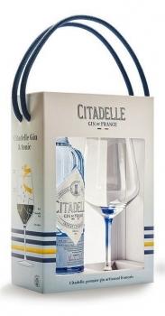 citadelle-gin-poharral.jpg